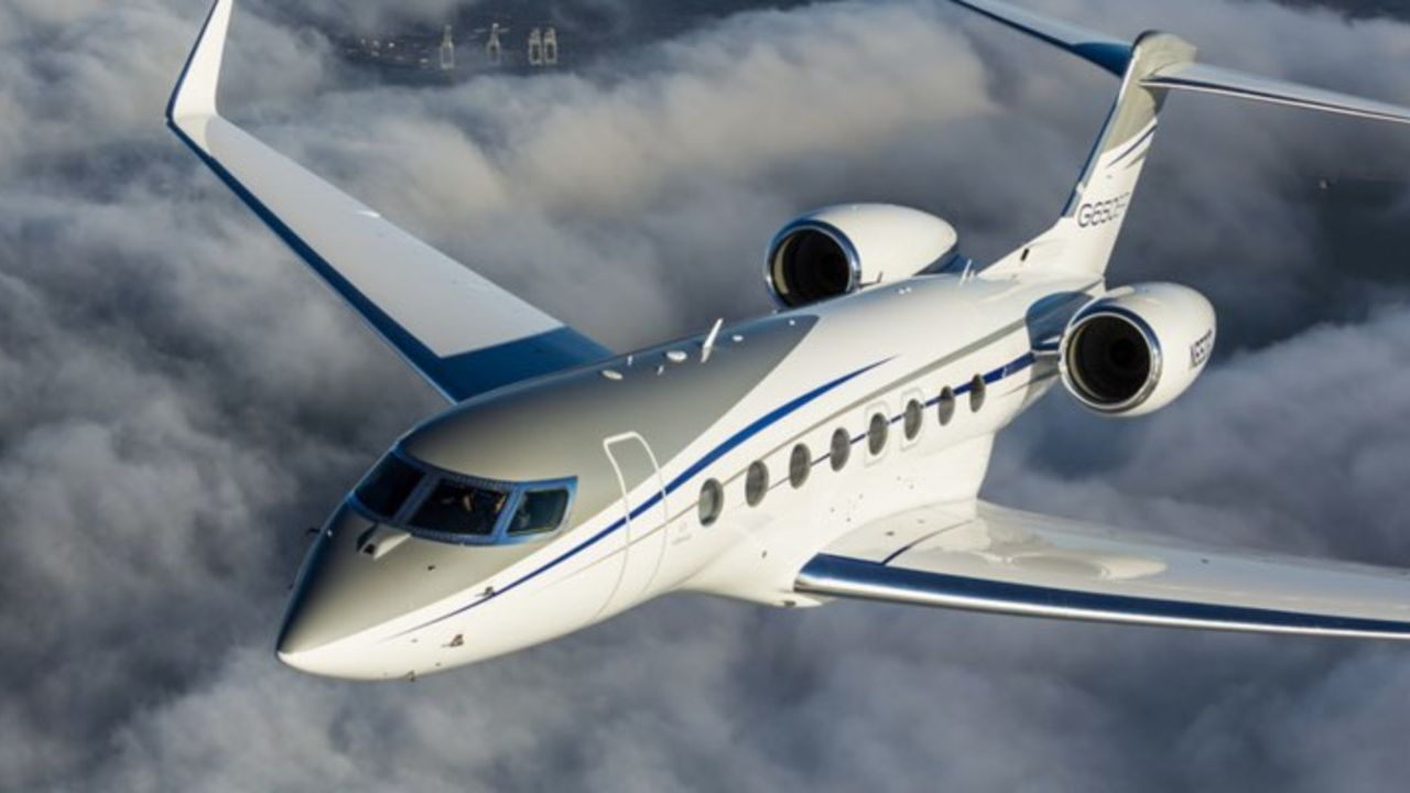 Cristiano-ronaldo-cr7-jet-plane-Gulfstream-G650