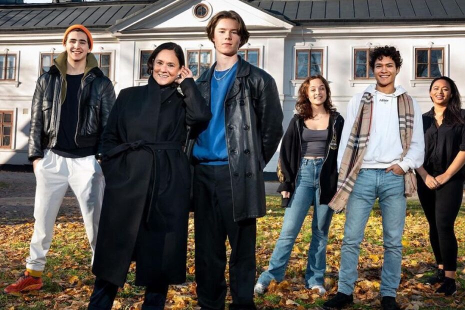 young-royals-filming-location-netflix-kaggeholms-stora-sundby-2021